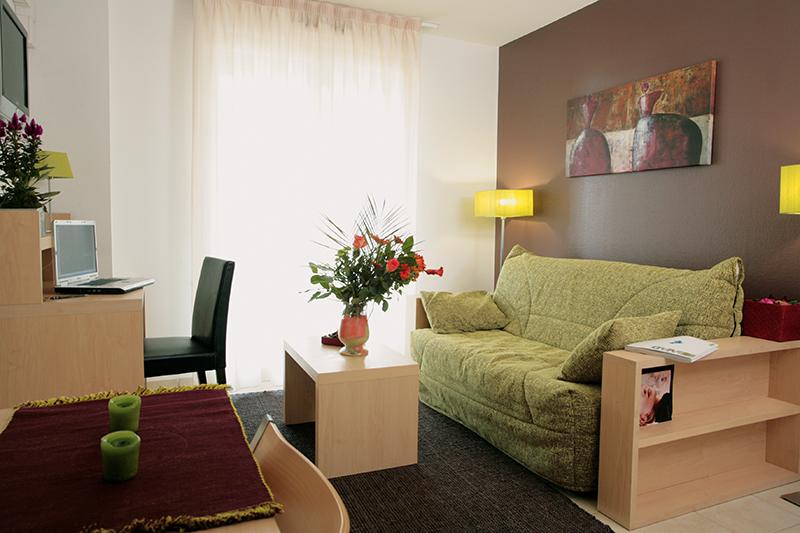 rsidence tudiante appart city toulouse purpan logement tudiant le parisien etudiant. Black Bedroom Furniture Sets. Home Design Ideas