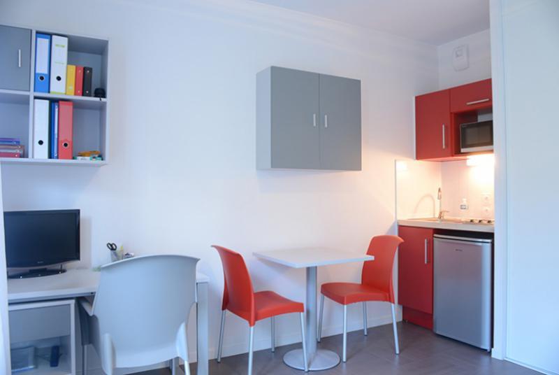 r sidence tudiante bron lumiere logement tudiant le parisien etudiant. Black Bedroom Furniture Sets. Home Design Ideas